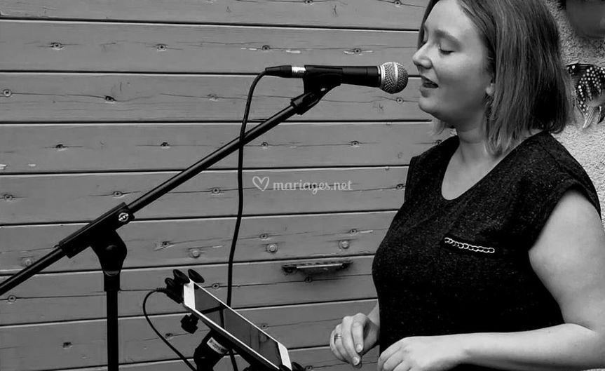 Cleatones Music Chanteuse