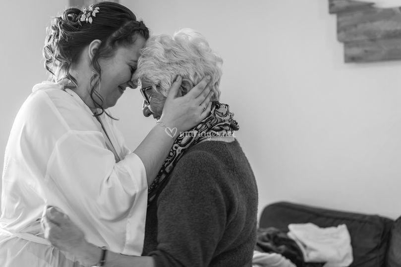 La mariée et sa grand mère, sé