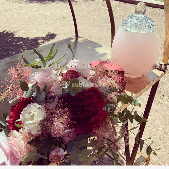 Boissons et fleurs accordés
