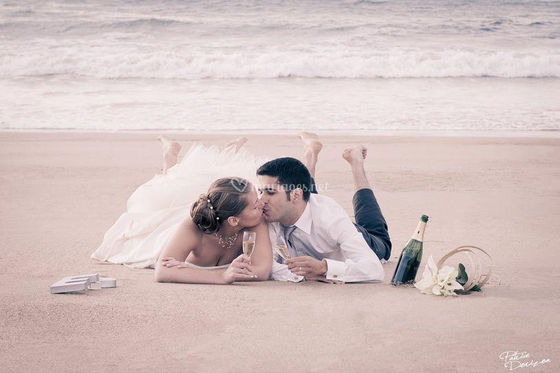 Le baiser sur le sable