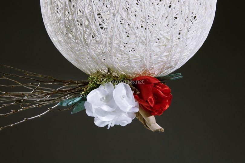Boule tissée fleurie