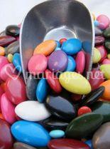 Dragées colorées