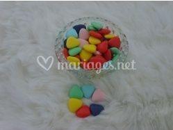 Coeur de chocolat de couleurs vives