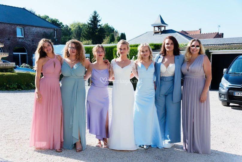 Mariée et ses invitées