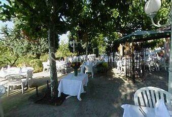 Banquet dans le jardin