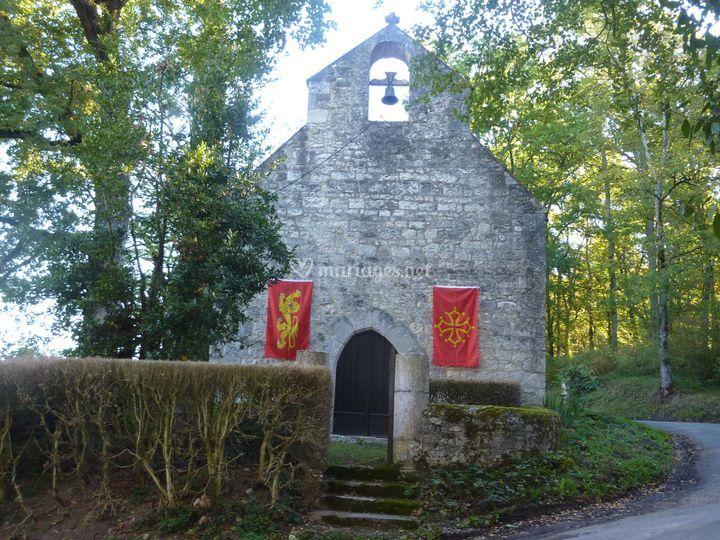 Chapelle Sainte-Foy pavoisée