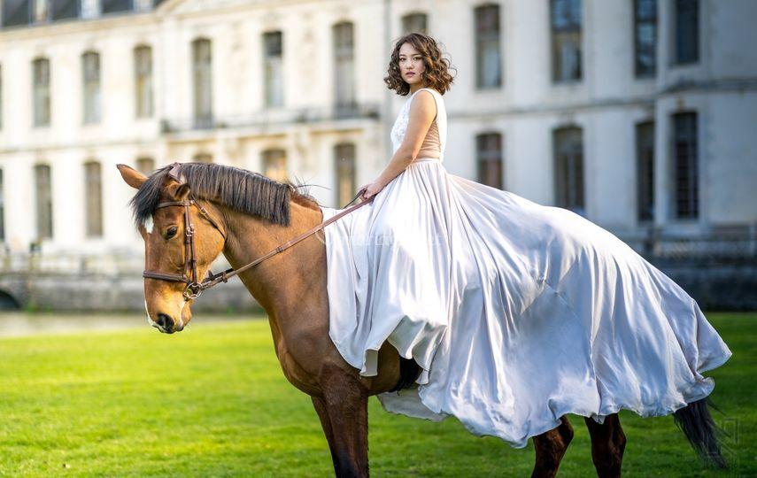 Mariée à cheval