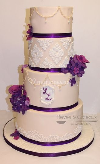 Wedding cake baroque