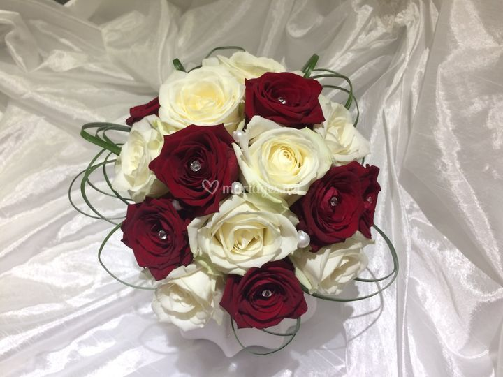 Bouquet de roses rouges et bla