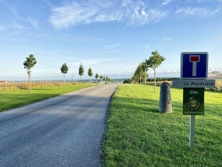 Chemin entrée Domaine