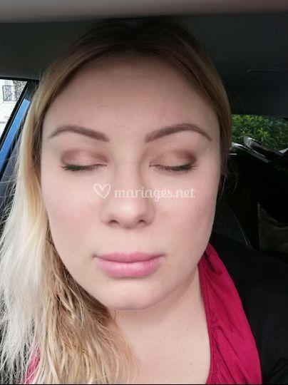 Maquillage marron/beige