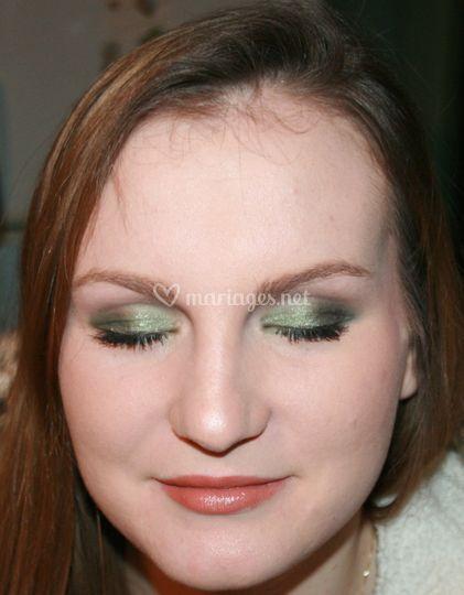 Maquillage soir vert emeraude