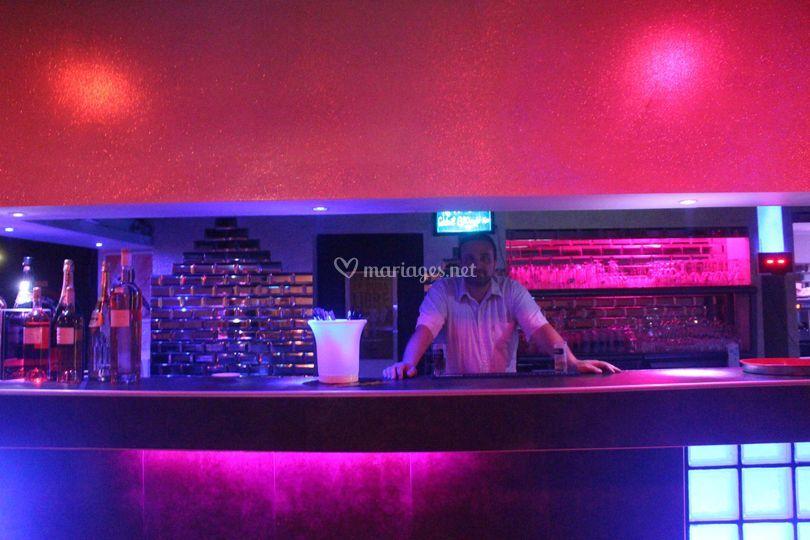 Le bar le soir