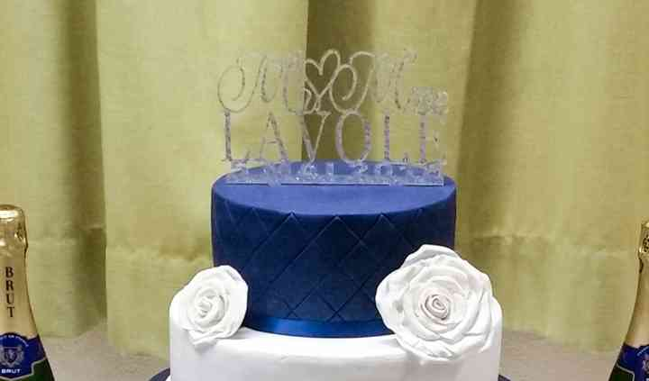 Wedding cake bleu et blanc