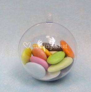 Boule transparente, dragées colorées