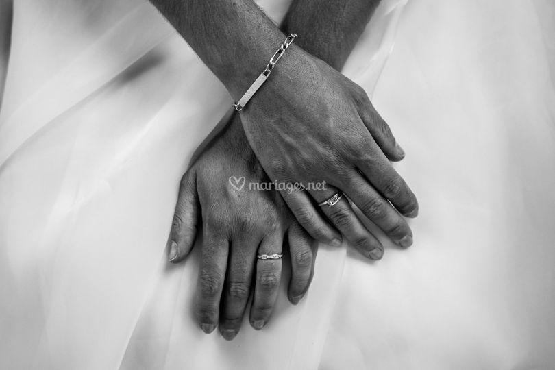 Les mains de la mariée