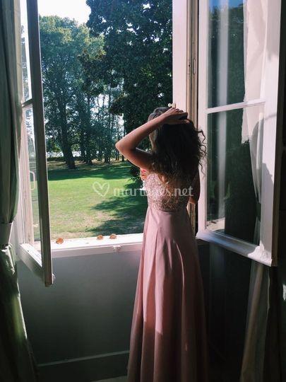 Jeune fille rêveuse
