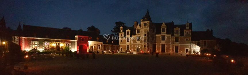 Château de Jallanges by night
