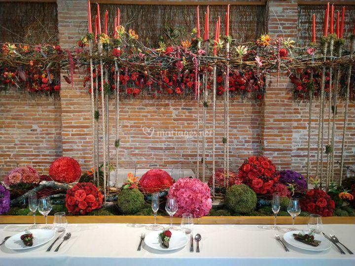 Table d'honneur tout en fleurs
