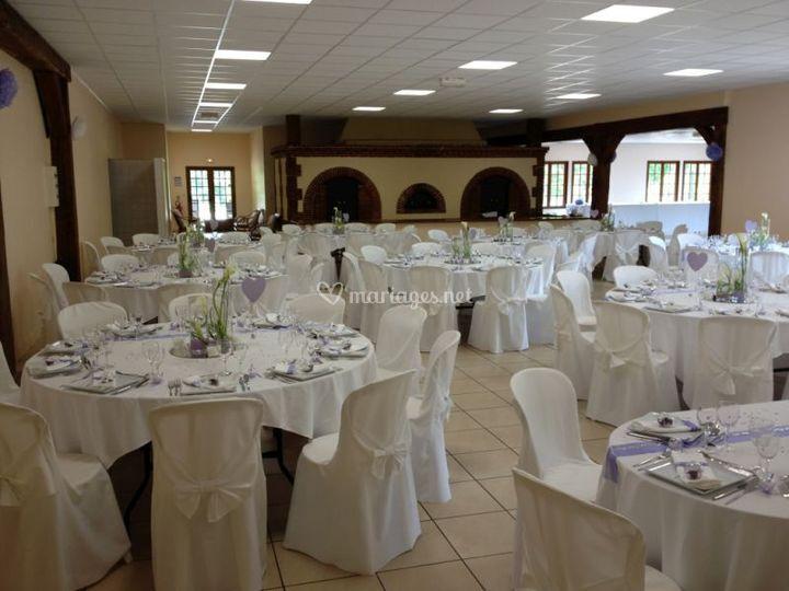 Tables dressées pour mariage