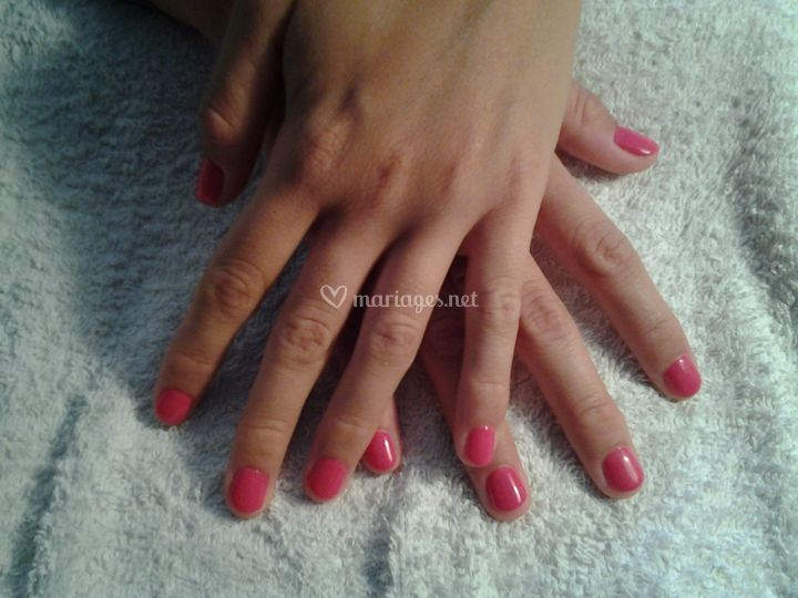 Ongles unis rose
