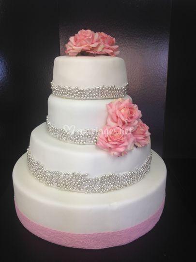 Wedding cake blanc, gris et ro