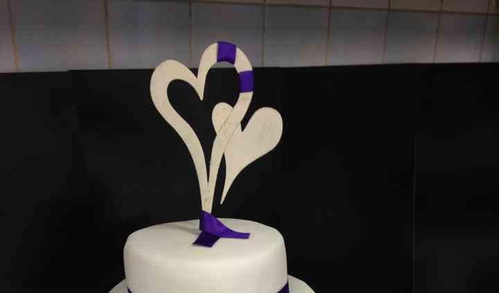 Wedding cake blanc et violet
