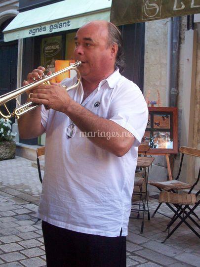 Francis à la trompette
