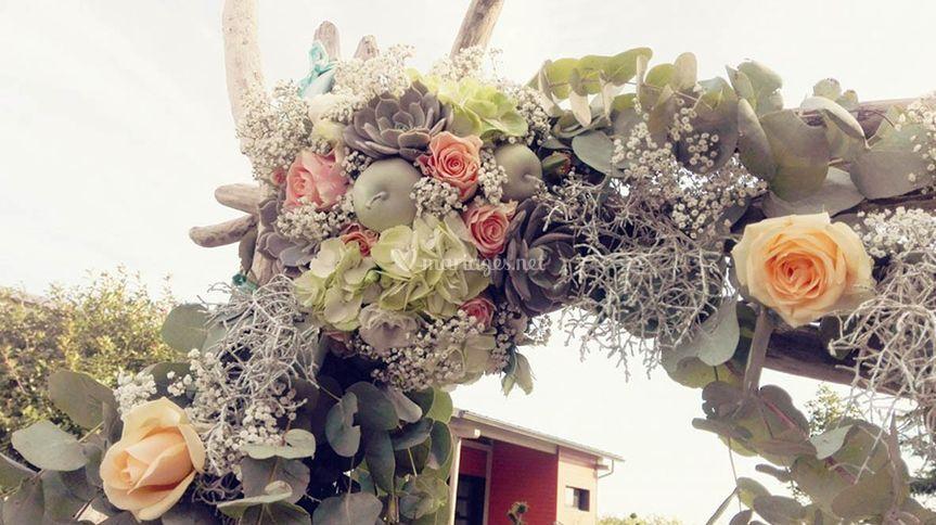 Décoration florale sur arche
