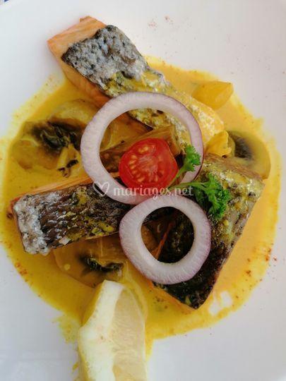 Saumon sauce safranée