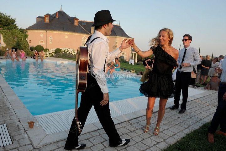 Dancing pool
