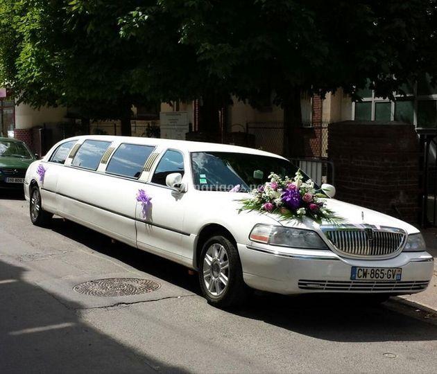kris drive limousine. Black Bedroom Furniture Sets. Home Design Ideas