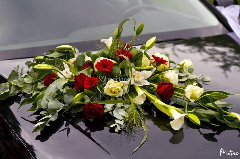 Bouquet voiture des mariés