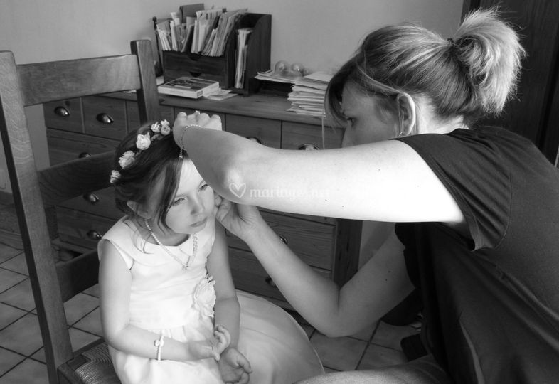 Maquillage enfant d'honneur