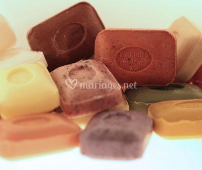 Savonettes parfumées colorées