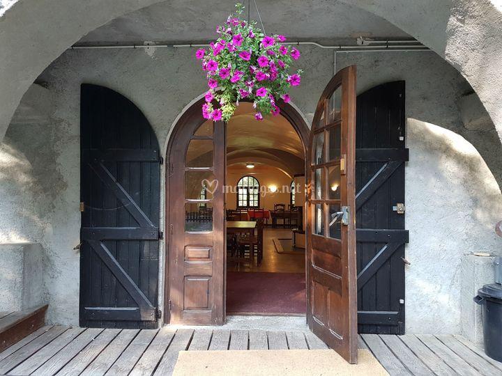 L'entrée de la salle