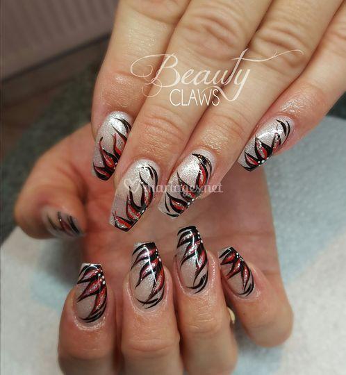 Nail art à main levée