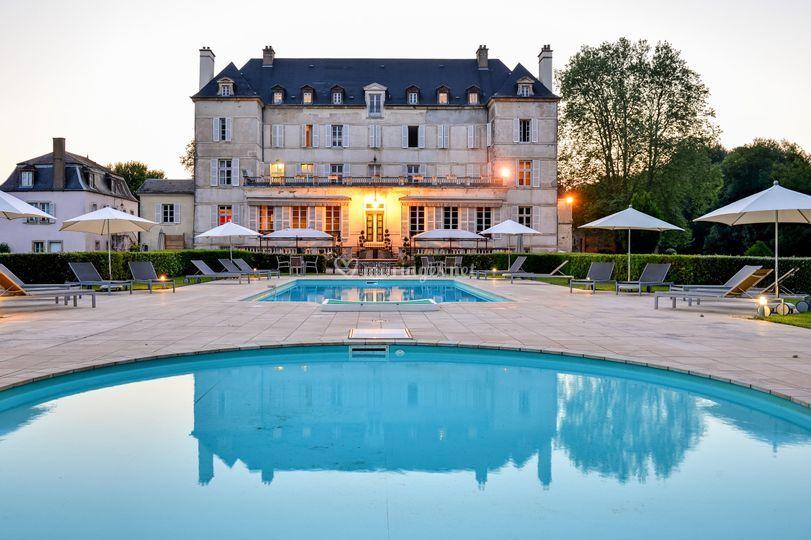 ct piscine sur chteau de saulon - Chateau De Saulon Mariage