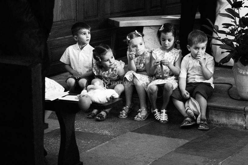Les enfants à l'église