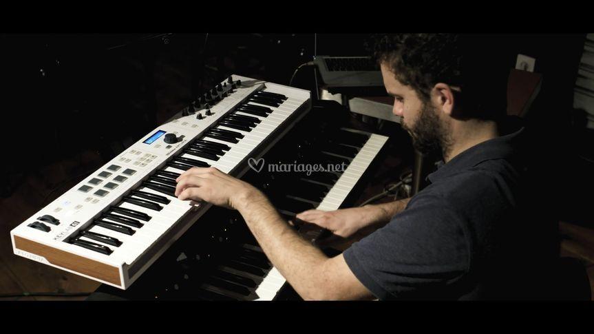 Felix au piano