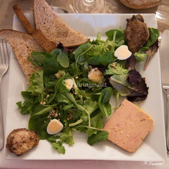 Entrée, salade de foie gras