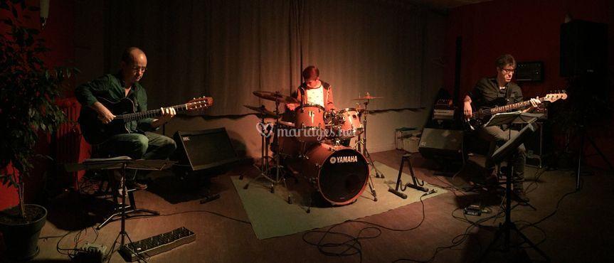 Le trio  de musiciens