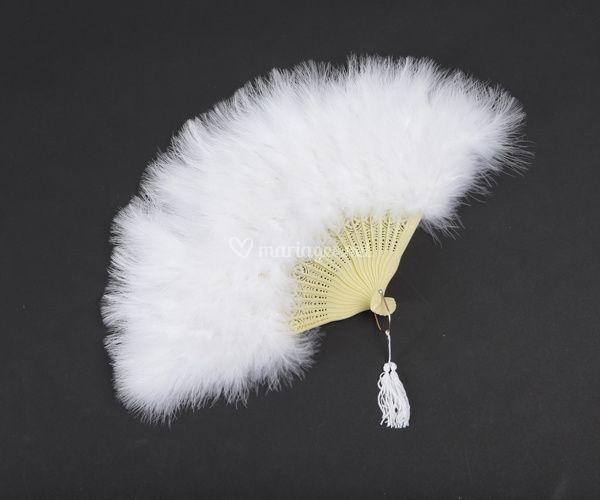 Eventail en plumes