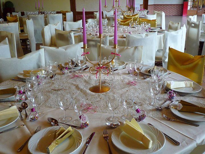 Table ivoire or fuchsia