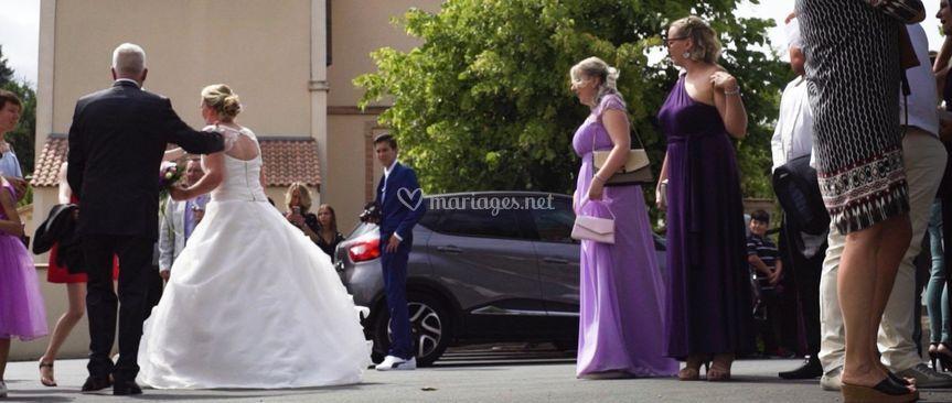 Les mariés arrivent