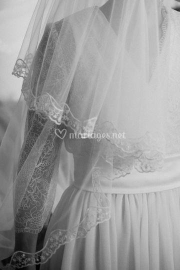 Détail dentelle robe de mariée