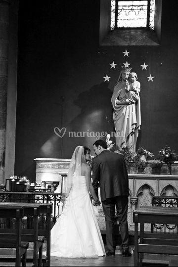 L & L devant l'autel