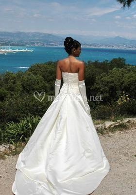 La mariée face à la mer