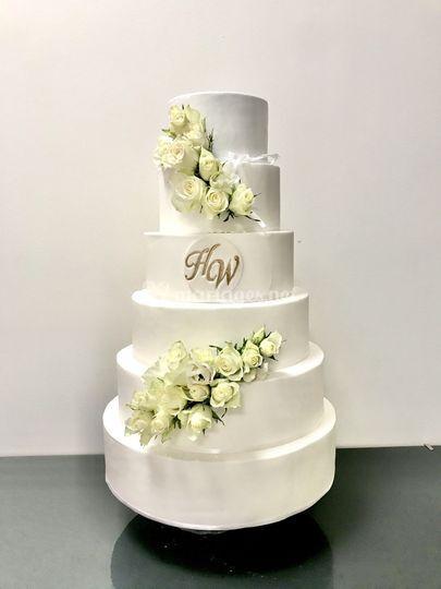 Wedding cake white