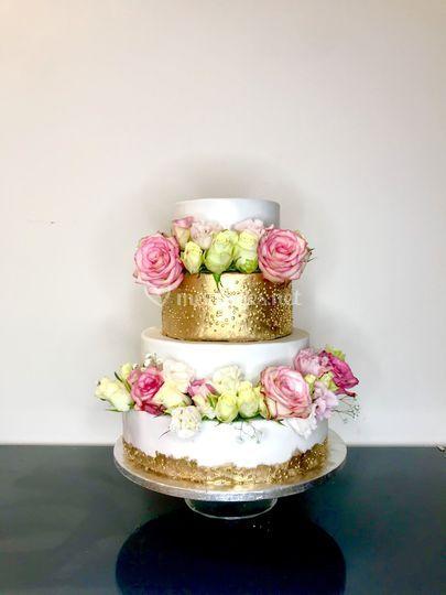 Wedding cake golf